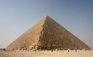 Piramida Cheopsa, Kheops Pyramid, by Nina, public domain